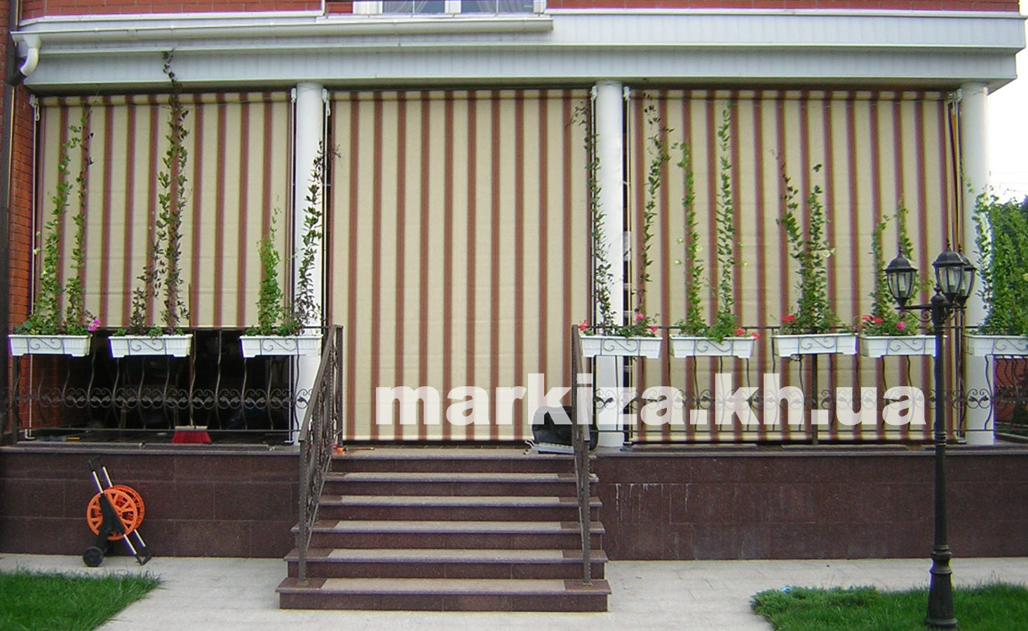 markiza-harkov-vertikalnaya-rolleta-tkanevaya-fasad